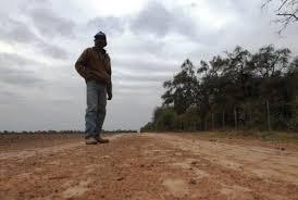 Frente campesino resiste robo de tierras
