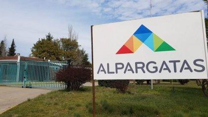 La textil Alpargatas despidió a 446 trabajadores
