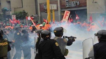 Gobierno reprime violentamente la huelga nacional de los trabajadores mineros de Perú