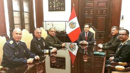 Crisis política: el Parlamento juramenta a Mercedes Aráoz como presidenta de Perú y las Fuerzas Armadas respaldan a Vizcarra