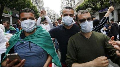 Argelia usa el brote de coronavirus para prohibir las protestas contra el Gobierno
