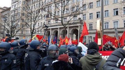 Reprimieron manifestación de miles en memoria de Luxemburg y Liebknecht en Alemania