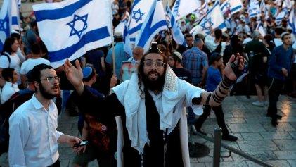 """La """"Marcha de la Bandera"""" israelí prueba al nuevo Gobierno"""