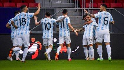 Argentina le ganó sufriendo a un aguerrido equipo de Paraguay y clasificó a cuartos