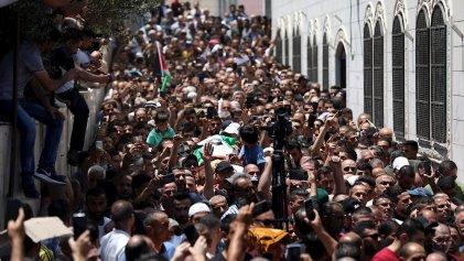Continúan las protestas palestinas contra Abbas por la muerte del opositor Nizar Banat