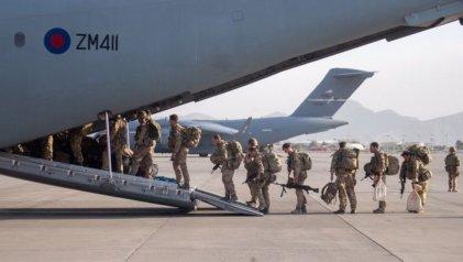 El último avión de Estados Unidos abandona Kabul después de 20 años de guerra
