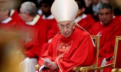"""Un cardenal italiano dijo que """"hay riesgo de cisma"""" en la Iglesia por las bendiciones a parejas gays"""