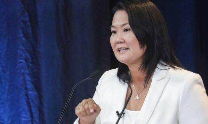 Keiko Fujimori juró por la democracia ante Vargas Llosa y el golpista venezolano Leopoldo López
