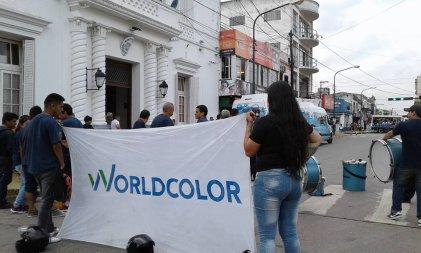 Trabajadores de World Color denuncian al intendente Achaval de Pilar
