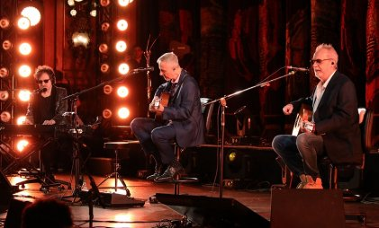 García, Aznar y Lebón: Serú Girán volvió una noche en el Teatro Colón