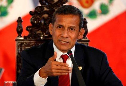 Censura parlamentaria tumba a la primera ministra de Perú