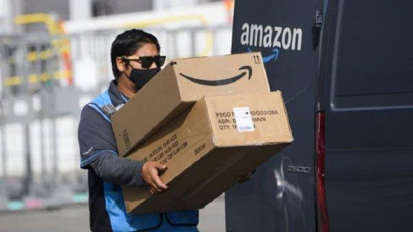 Amazon admitió que sus conductores deben orinar en botellas