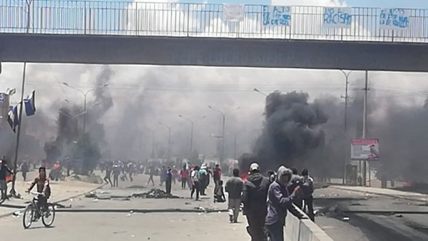 Al menos ocho muertos por el desalojo en Senkata, mientras continúa la resistencia al golpe