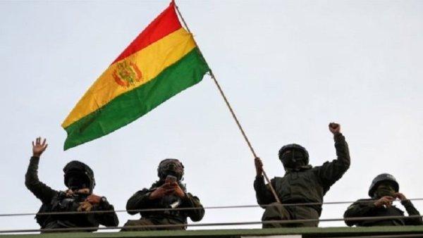 """""""Cría cuervos y te sacarán los ojos"""": Unidad Demócrata presentó proyecto de Ley para el incremento salarial de la Policía Boliviana"""