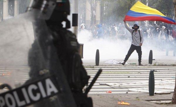 Represión policial a las protestas en Colombia deja al menos siete muertos